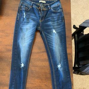Skinny jeans- distressed